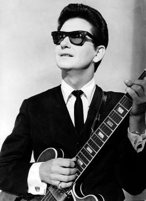 Ellis Paul Honors Roy Orbison in 75th Birthday Tribute